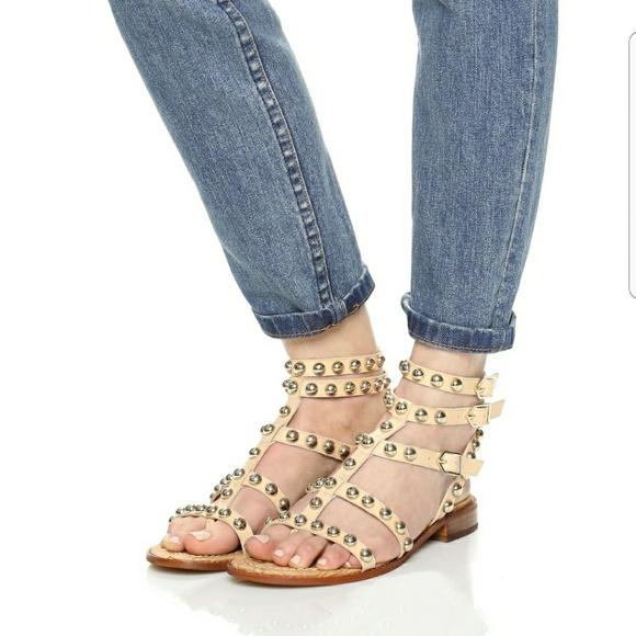 8ec2000492b5 Sam Edelman Eavan lesther studded sandal sz 8.5